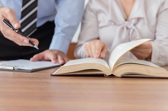 Guide: Comment choisir un bon avocat