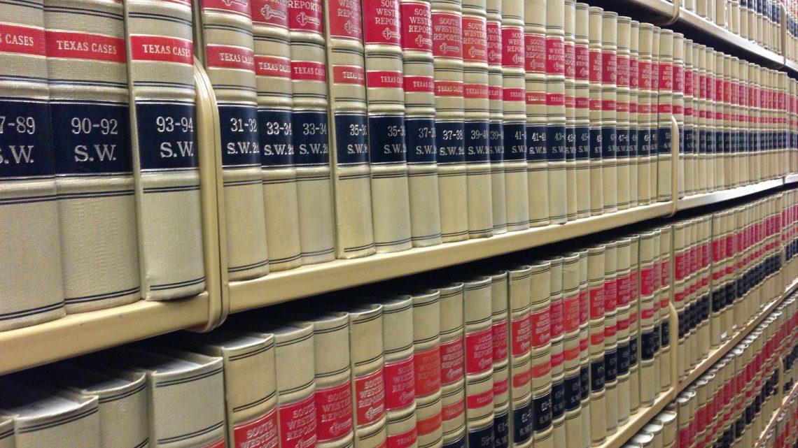 Comment devenir un avocat en droit pénal?
